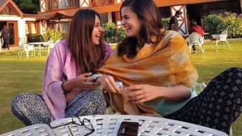Check out Alia Bhatt heads to Kashmir for Raazi; bff Akansha joins her for the schedule 1