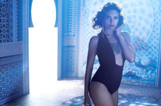HOT These images of Esha Gupta are just the hottest thing on the internet today (1)