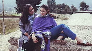 WOW! Alia Bhatt spotted chilling with Meghna Gulzar, Puneet B Saini on Raazi sets in Kashmir1