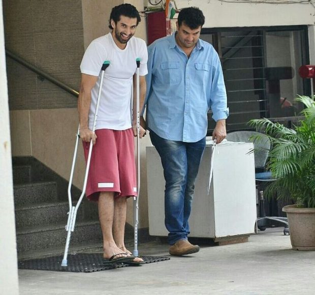 Aditya Roy Kapur goes out of action1