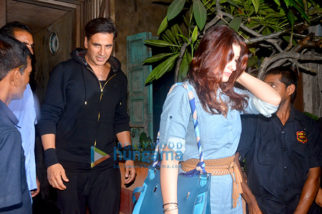 Akshay Kumar & Twinkle Khanna snapped after dinner at Pali Bhuvan
