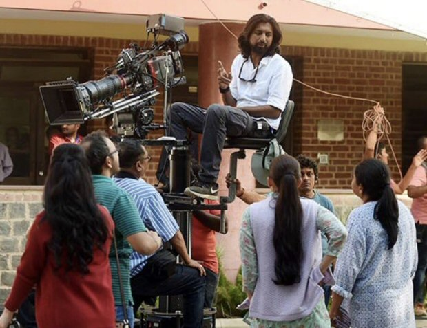 CHECK OUT Alia Bhatt shoots for Raazi at the iconic Miranda House in Delhi3