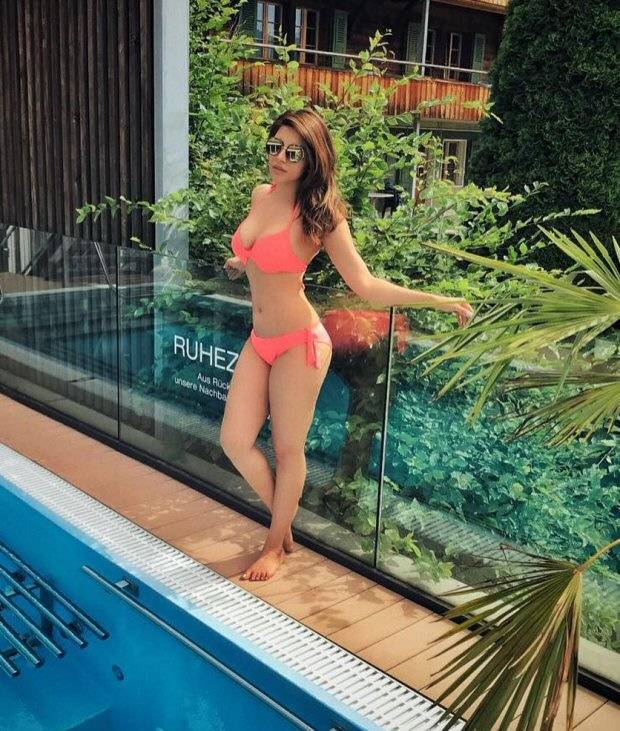 HOTNESS ALERT! Shama Sikander posts another sizzling picture in a pink bikini