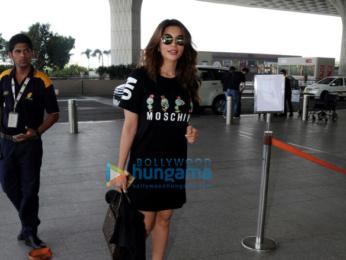 Ranbir Kapoor and Shama Sikander spotted at the airport