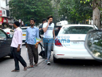 Riteish Deshmukh spotted at Cafe Coffee Day in Bandstand