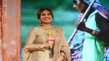 Bhumi Pednekar graces the Aaj Tak Safaigiri Awards 2017