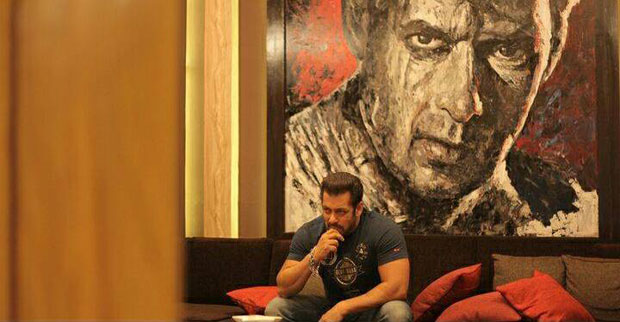 check out salman khan shows off his paintings at his