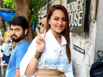 Sidharth Malhotra, Sonakshi Sinha and Akshaye Khanna snapped at the Korner House
