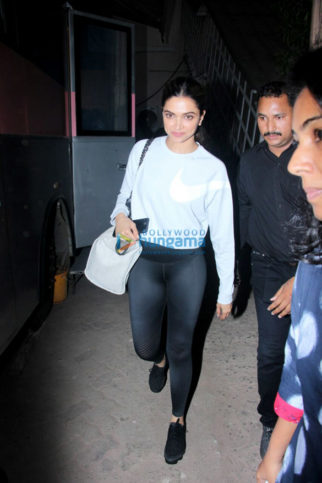 Deepika Padukone snapped post Padmavati promotion pack up