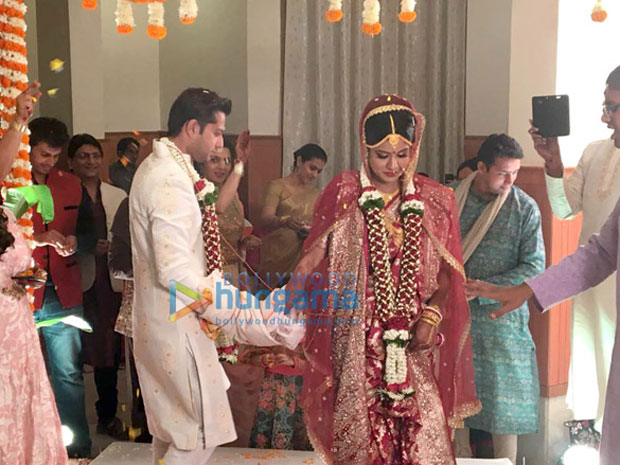 Vatsal-Seth-and-Ishita-Dutta-pose-after-their-wedding--(5)