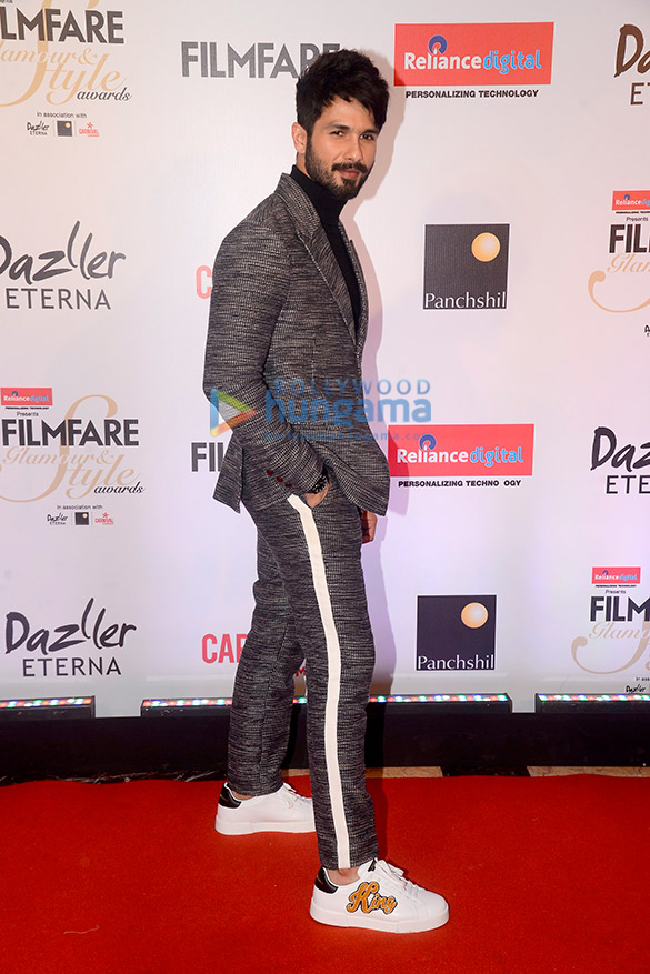 Filmfare Glamour and Style Awards 2017 (3)