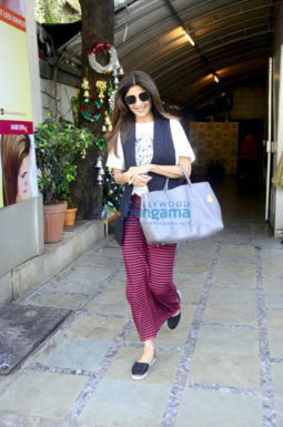 Shilpa Shetty spotted at IOSIS Wellness 40