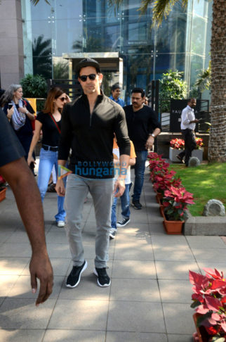 Hrithik Roshan snapped with family at BKC