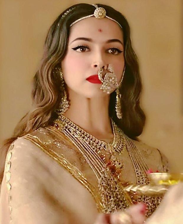Whoa! Did you know Deepika Padukone wore 14 gorgeous ...