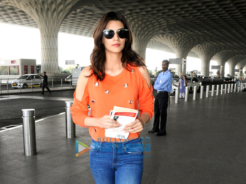 Kriti Sanon, Shilpa Shetty, Malaika Arora and others snapped at the airport