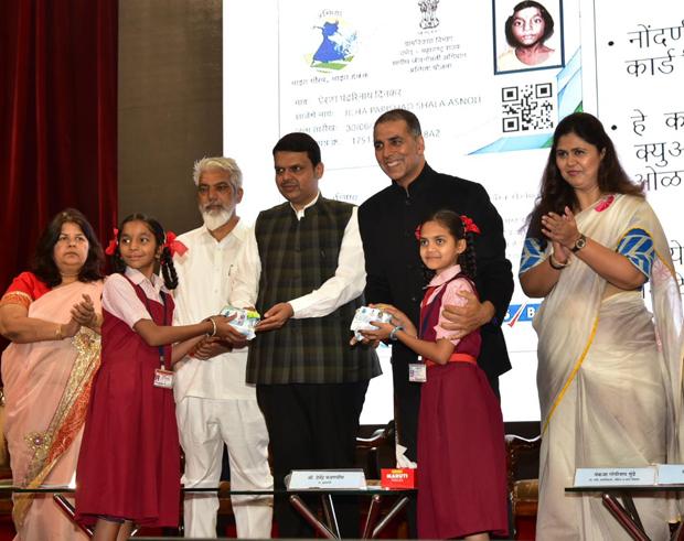 Akshay Kumar and CM Devendra Fadnavis announce Asmita initiative on Women's Day to make sanitary pads available at subsidized rates