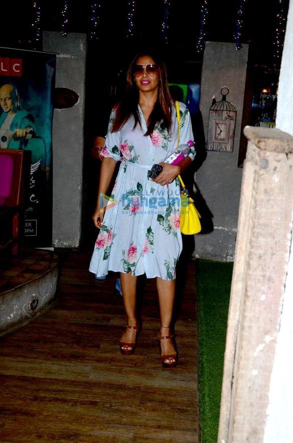 Bipasha Basu snapped at Hakim's Aalim salon in Bandra