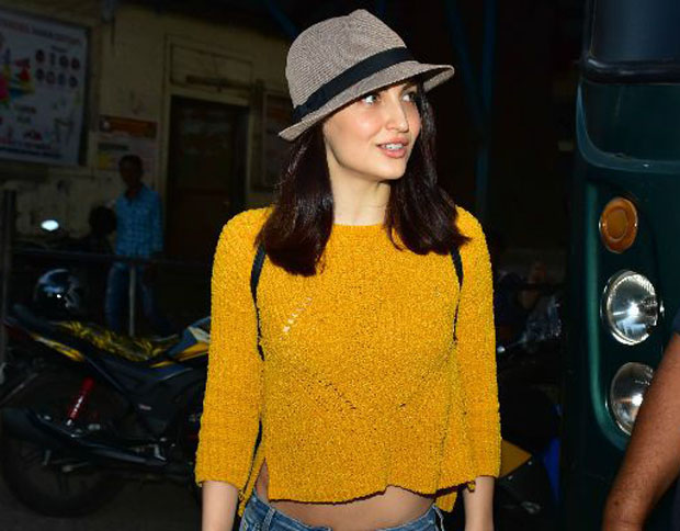 PICS: Elli Avram paints the town red with Hardik Pandya as she keeps him company