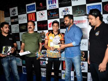 Suniel Shetty at box cricket event