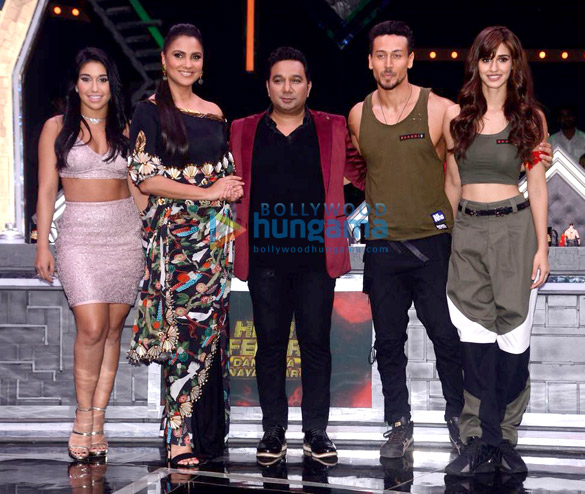 Tiger Shroff and Disha Patani snapped promoting their film Baaghi 2 on High Fever Dance Ka Naya Tevar