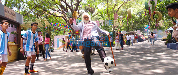 Amitabh Bachchan surprised kids with his exemplary football skills during the shoot of 102 Not Out