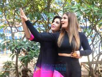 Raveena Tandon and Farah Khan snapped on sets of Entertainment Ki Raat