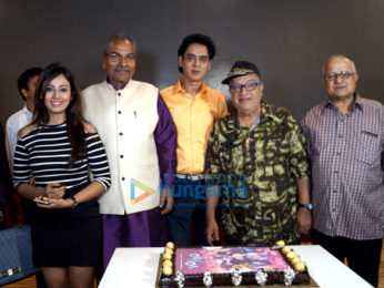 Celebs grace the trailer launch of '10 Nahi 40'