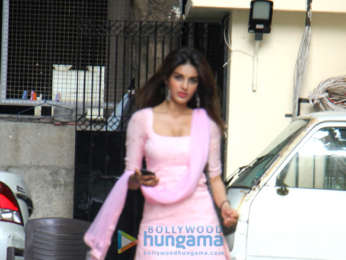 Nidhhi Agerwal spotted in Juhu