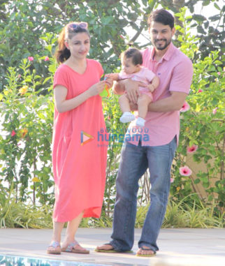 Soha Ali Khan and Kunal Khemu at Amrita Arora's house