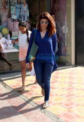 Taimur Ali Khan, Twinkle Khanna and Karan Singh Grover spotted at Bandra