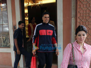 Akshay Kumar and Twinkle Khanna spotted together in Juhu