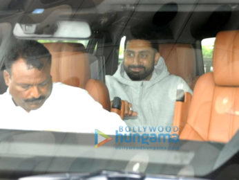 Daisy Shah, Anushka Sharma, Virat Kohli and others snapped at the airport