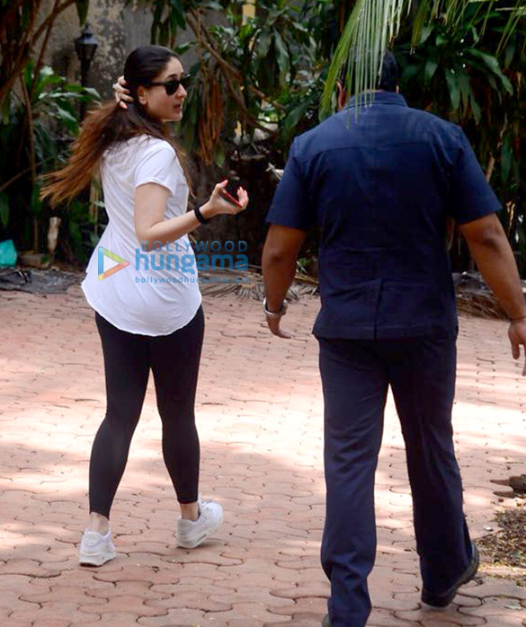 Kareena Kapoor Khan spotted after dance rehearsals in Bandra