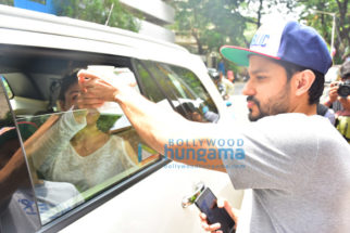 Kunal Khemu and Soha Ali Khan snapped outside Smoke House Deli