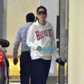 Kareena Kapoor Khan and Karisma Kapoor spotted at Babita's house