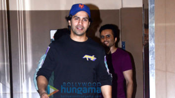 Varun Dhawan, Farhan Akhtar and others snapped at PVR, Juhu