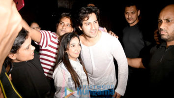 Varun Dhawan snapped giving selfies to his fans