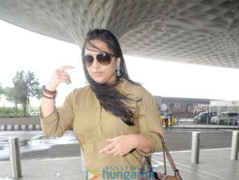 Vidya Balan, Nawazuddin Siddiqui and others snapped at the airport