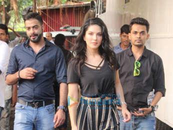 Kareena Kapoor Khan and Sunny Leone snapped at Mehboob Studios