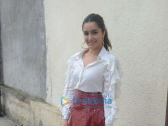 Shraddha Kapoor, Yami Gautam and Divyendu Sharma snapped during Batti Gul Meter Chalu promotions on Comedy Circus
