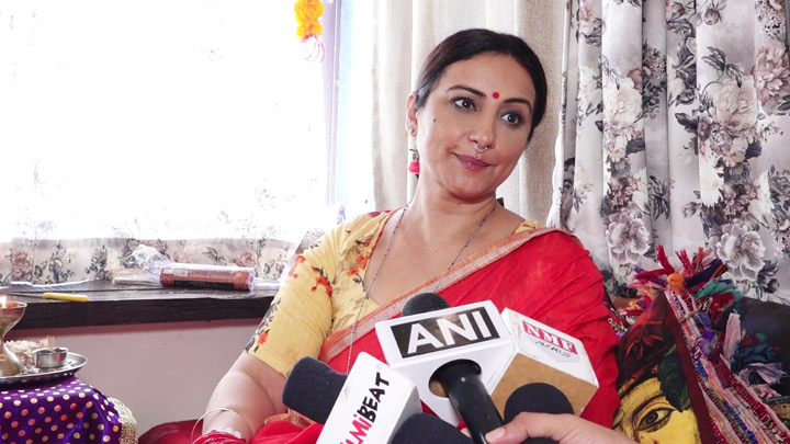 Actress Divya Dutta Welcome Lord Ganesha with Aarti & Puja