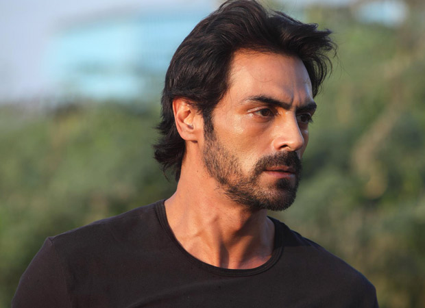 Arjun Rampal bereaved after the sad demise of his mother Gwen Rampal