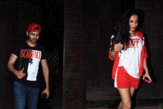 SPOTTED:CUTE Sonal Chauhan & Kartik Aryan @Juhu Gym