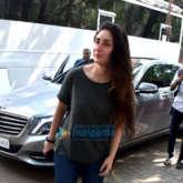 Kareena Kapoor Khan and Soha Ali Khan spotted at Mehboob Studio in Bandra (3)