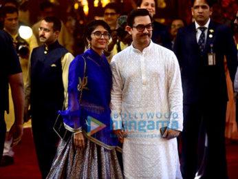 Ünlüler Isha Ambani'ye - Anand Piramal'ın düğün öncesi Maha Aarti'ye varıyorlar