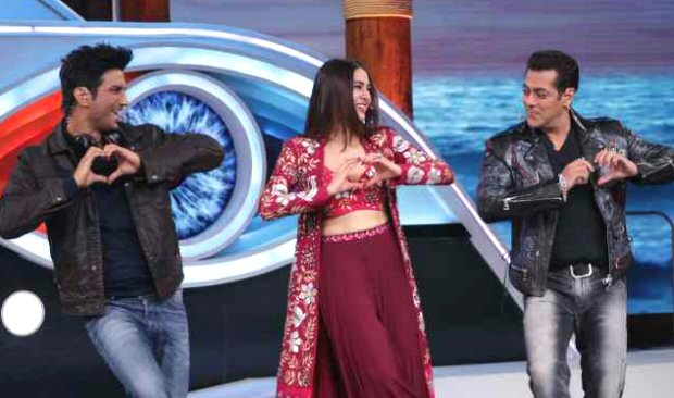Sara Ali Khan meets Salman Khan on Bigg Boss 12; grooves with him and Sushant Singh Rajput on Sweetheart from Kedarnath