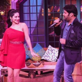 Sunny Leone Bathes In 100 Liters of Milk - Bollywood