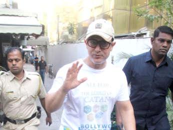 Aamir Khan, Bandra'daki bir spa merkezinde görüldü.