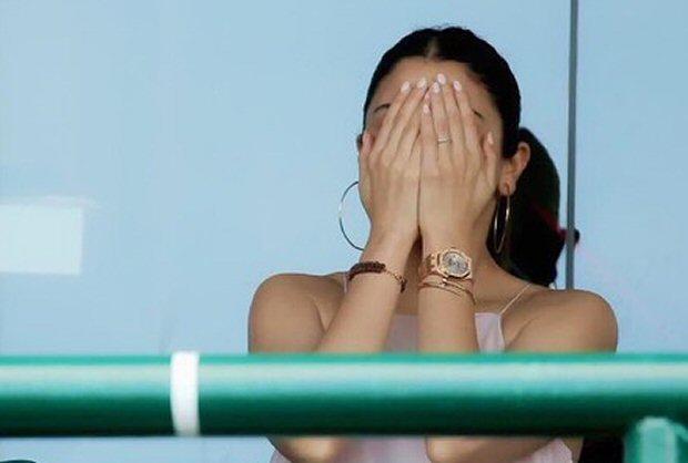 Anushka Sharma cheers for hubby Virat Kohli in Sydney