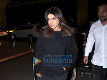 Photos: Priyanka Chopra Jonas, Kiara Advani and others snapped at the airport